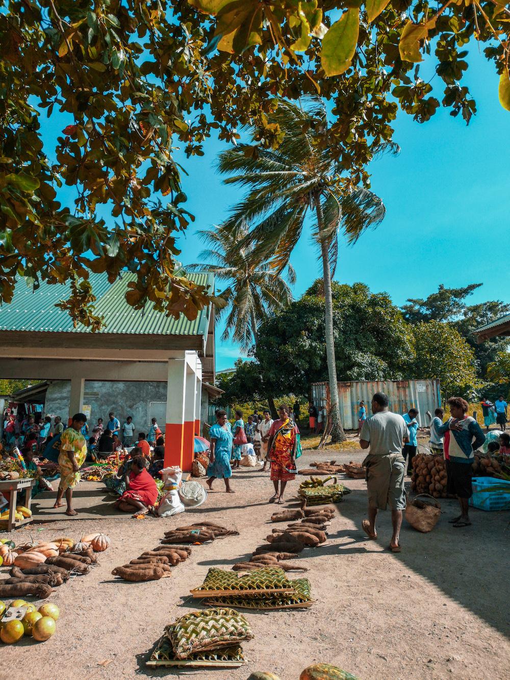 Le joli et fleuri marché de Tanna au Vanuatu